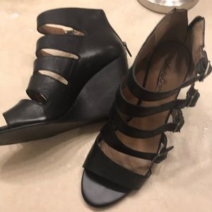 Lucky brand black wedge